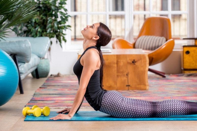 Yoga-Übungen Nacken und Schulter
