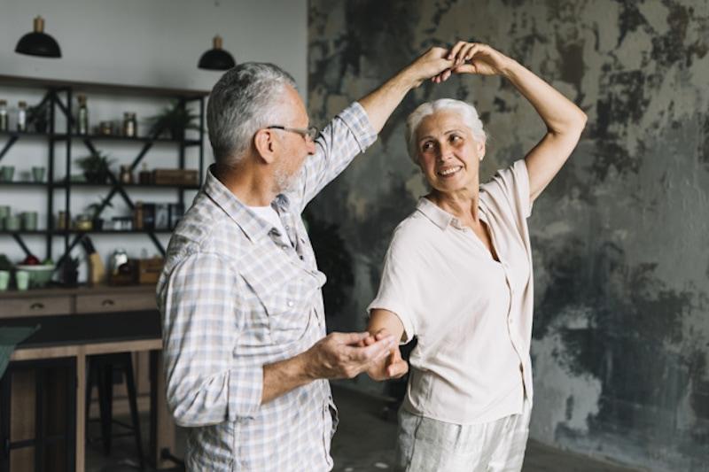 Vorteile warum Tanz im Alter jung hält