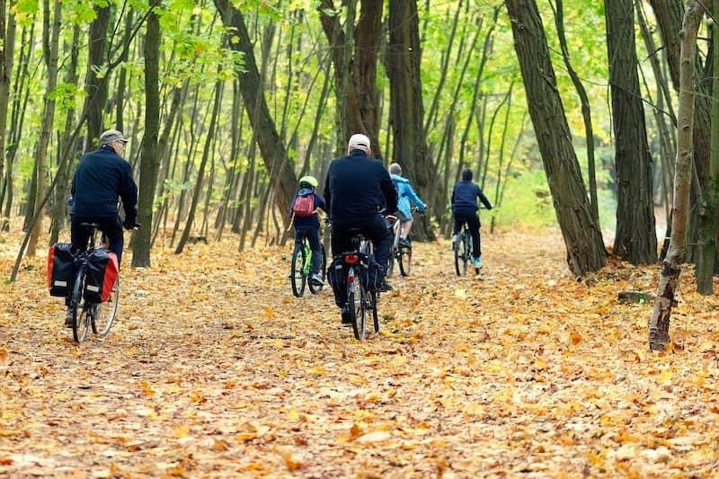 Vorteile von Outdoor-Sports im Herbst